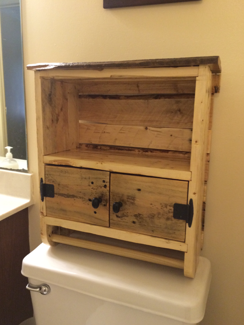 Bathroom Cabinet from Pallet Wood