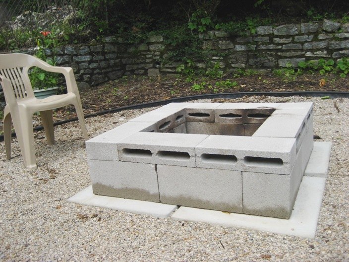 Build a Block Fire Pit Using Cinder Blocks