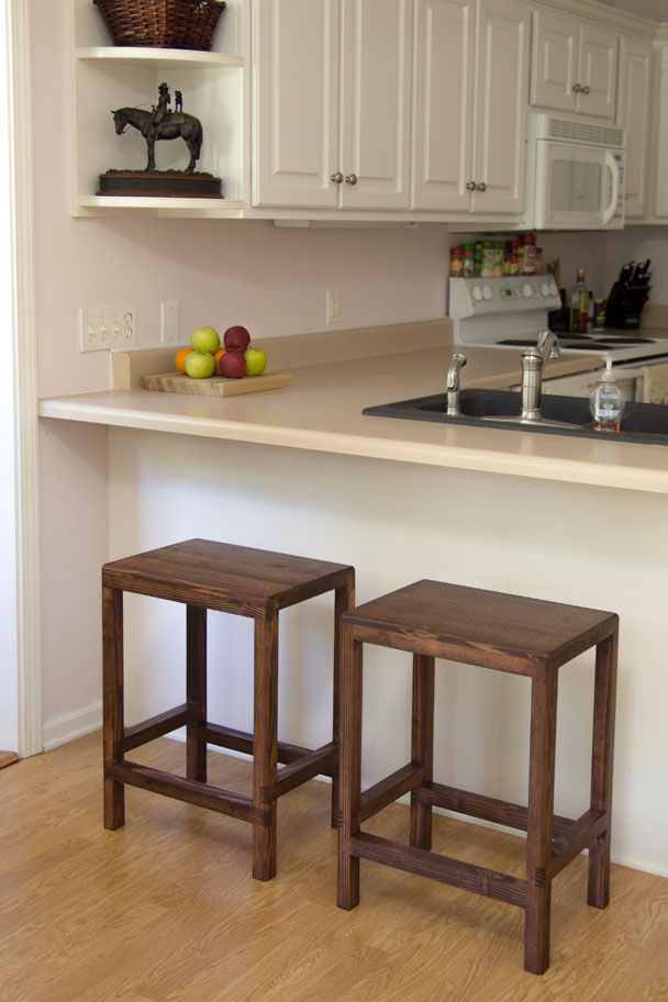 Half-Lap Bar Stools From 2x4s