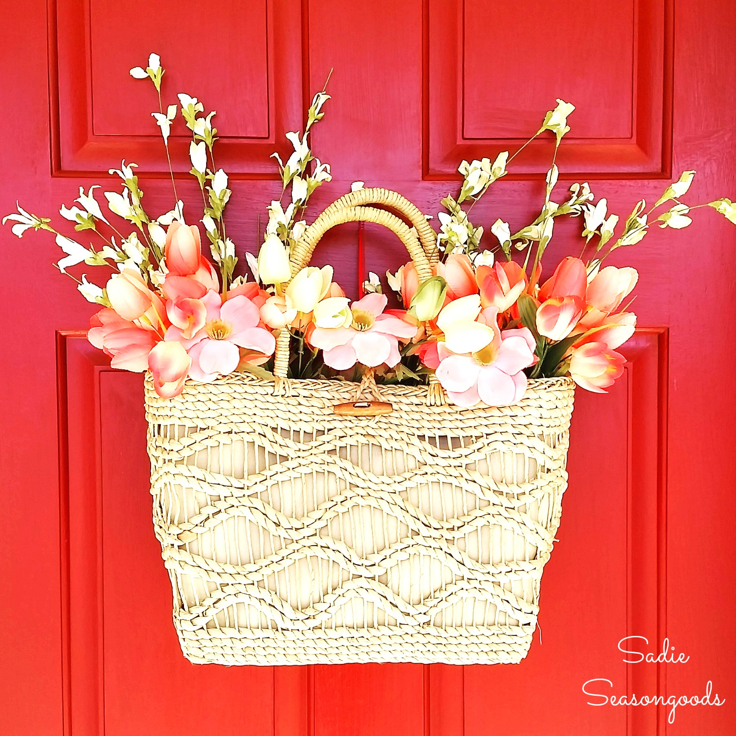 Straw Tote Door Décor