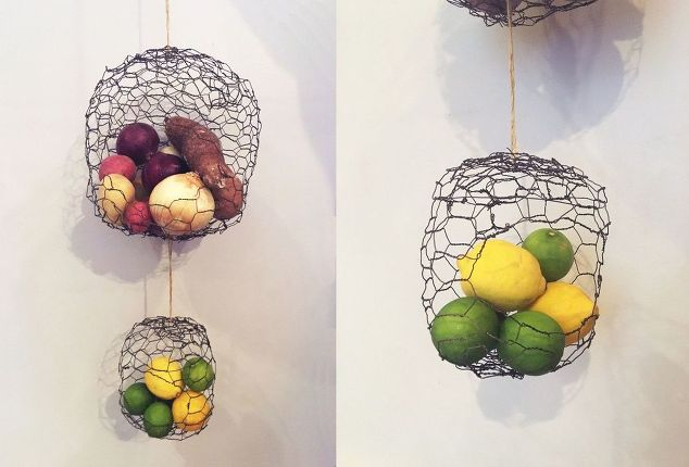 Hanging Chicken Wire Fruit