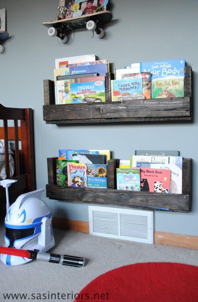 Pallet Kids Bookshelves