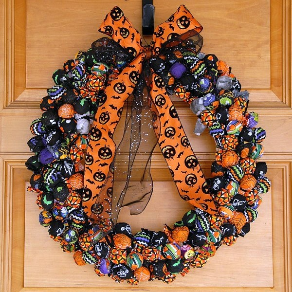 Halloween Trick-or-Treat Wreath