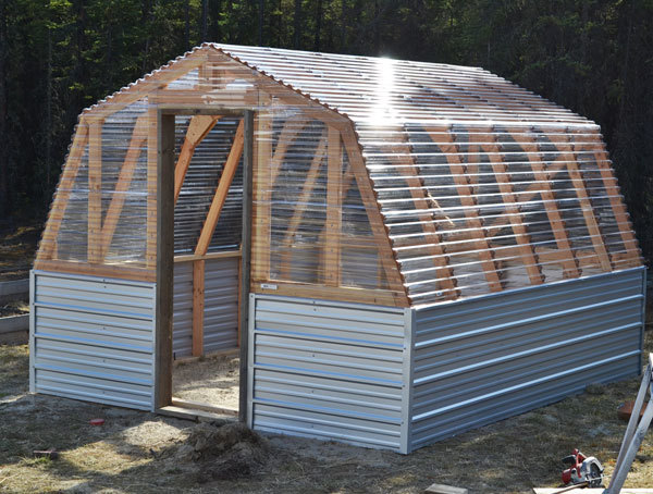 Barn-Style Greenhouse