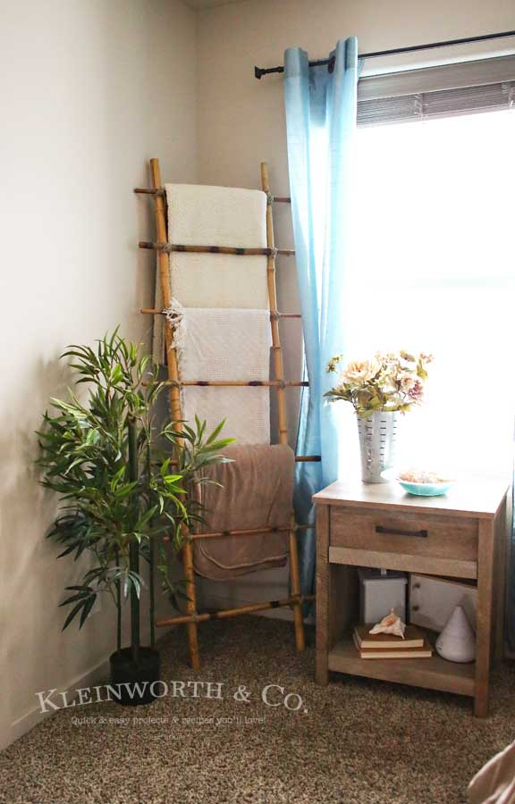 Bamboo Blanket Ladder