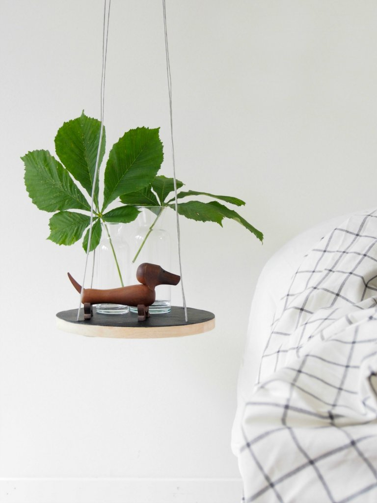 Floating String Table